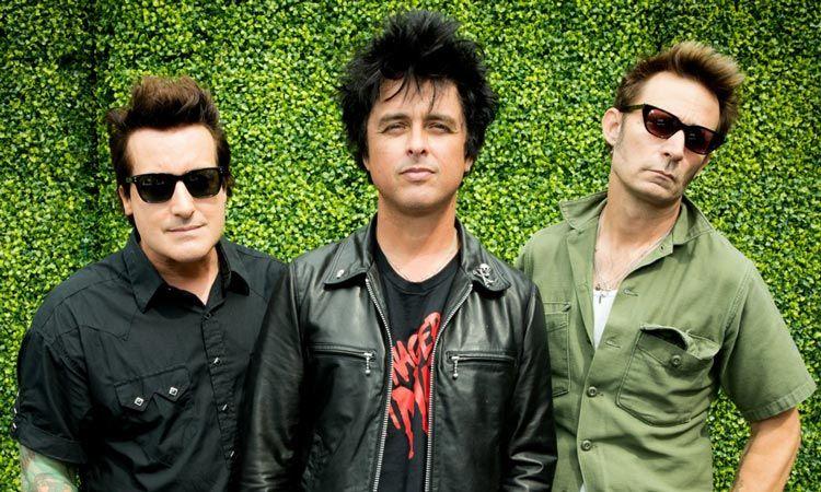 ฟังนักร้องนำ Green Day เผยถึงเบื้องหลังเพลง Wake Me Up When September Ends