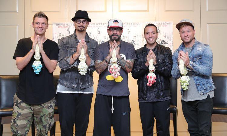 ชมคลิปสัมภาษณ์แรกของ Backstreet Boys เมื่อก้าวเท้าถึงประเทศไทย!