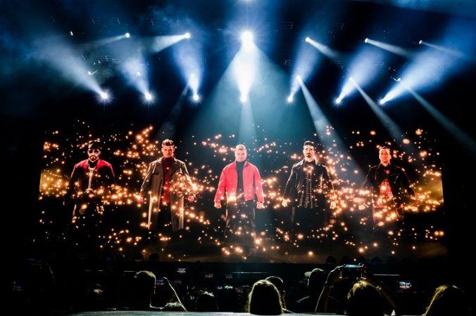 สมราคาบอยแบนด์ในตำนาน 5 ศิลปินวง Backstreet Boys ขนเพลงฮิตเอาใจแฟนชาวไทย แดนซ์กันกระจาย!
