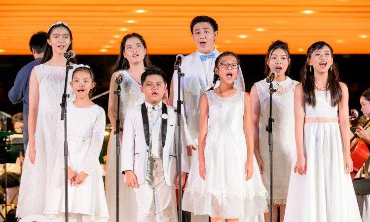 ชมคลิปการซ้อมของน้องๆ ผู้ชนะจาก RBSO's Young Talent ที่จะมาขึ้นเวทีคอนเสิร์ต Broadway In Bangkok