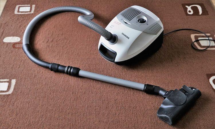 เคล็ดลับการทำความสะอาด และการดูแลพรมปูพื้นให้ใช้ได้อีกนาน