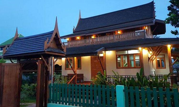 เปิดภาพ บ้านทรงไทยของ ตูน บอร์ดี้สแลม รีโนเวทเป็นของขวัญให้กับพ่อแม่
