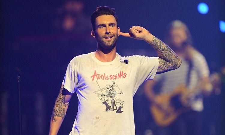 ย้อนกลับไปฟัง 5 เพลงสุดฮิตของ Maroon 5 ฉลองวันเกิดให้ Adam Lavine