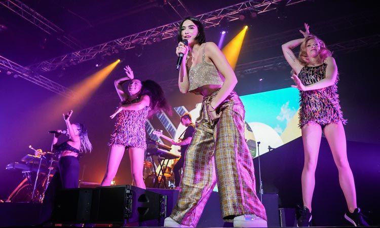 แฟนเพลงไทยเทศกรี๊ดหนัก Dua Lipa ขนเพลงฮิต เอ็นเตอร์เทนจัดเต็ม สุดประทับใจ