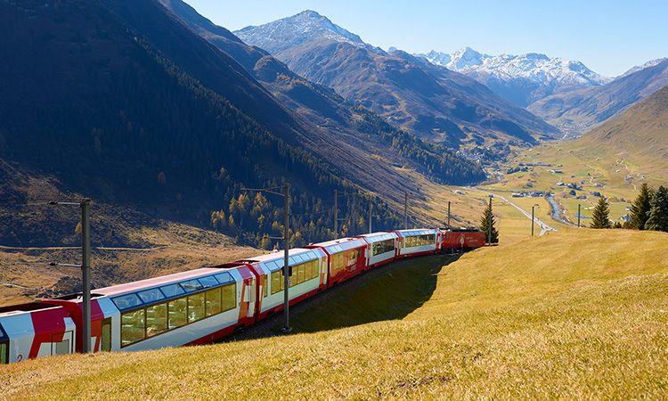 ชวนนั่ง รถไฟ Glacier Express แห่งสวิตเซอร์แลนด์ หนึ่งในเส้นทางชมวิวที่สวยที่สุดในโลก!