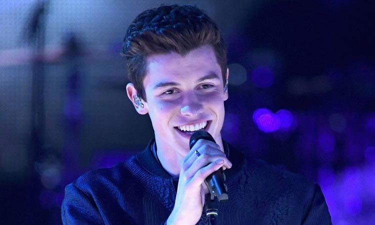 Shawn Mendes ถูกยกให้เป็นสุดยอดศิลปินรุ่นใหม่ของปี 2017