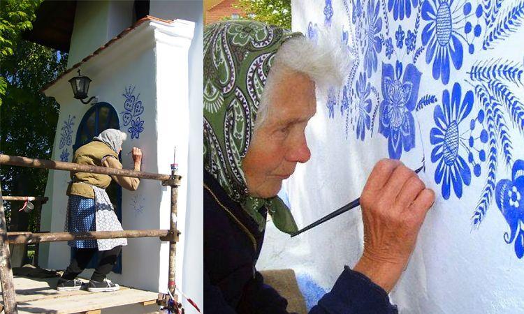 พรสวรรค์ล้วนๆ! คุณยายวัย 90 ลงมือเพ้นท์ภาพดอกไม้บนผนังบ้านด้วยตัวเอง