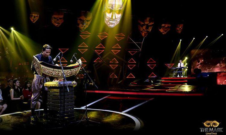 ลุกเป็นไฟ! หนึ่ง จักรวาล ดีดเปียโน ปะทะ ระนาดเอก ในเดอะแมสลายไทย