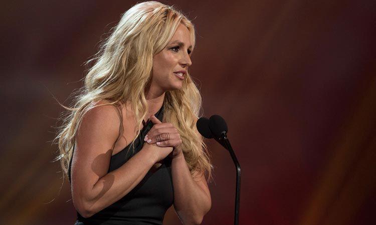 Britney Spears มอบเงินจากการประมูลภาพวาดฝีมือตัวเอง ให้ผู้เสียชีวิตในเหตุการณ์กราดยิงที่ลาส เวกัส
