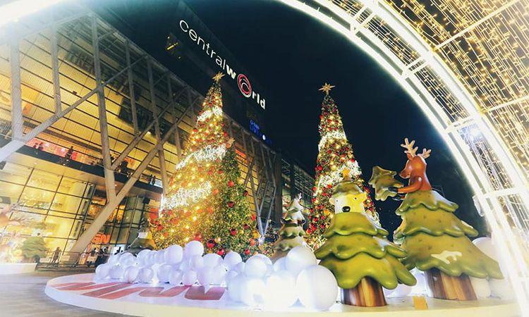 ส่งท้ายปีเก่า ต้อนรับปีใหม่ กับไฟประดับต้นคริสต์มาสสุดตระการตา @ CentralWorld