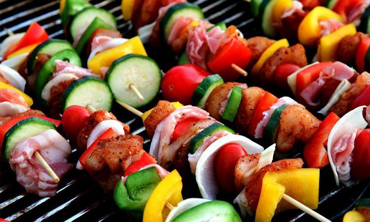 เลือกทานอาหารในช่วงงานเลี้ยงปีใหม่อย่างไร?