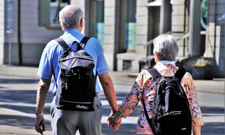 7 เคล็ดลับ พาผู้สูงอายุเที่ยวต่างประเทศ ยังไงให้ประทับใจสุดๆ
