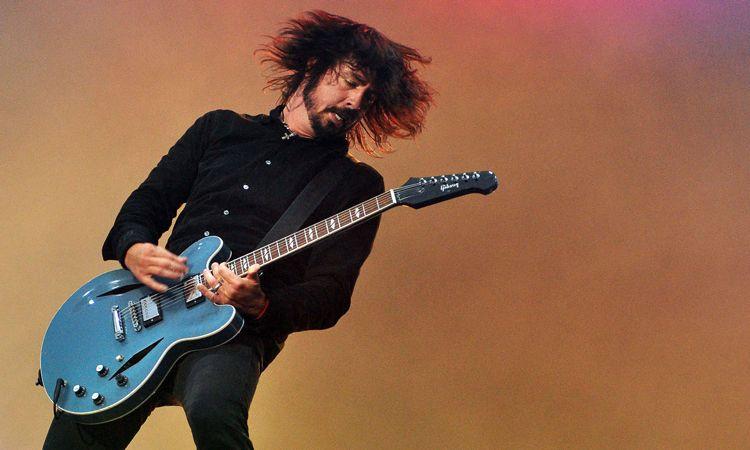 Dave Grohl เผยแทบไม่อยากเชื่อว่า Foo Fighters ได้รับการบรรจุเข้าสู่ Rock & Roll Hall of Fame
