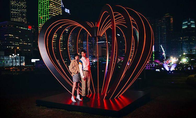 ชวนคนรู้ใจไปเดินดูไฟสวยๆ ที่งาน International Light Art Display ฮ่องกง ต้อนรับเดือนแห่งความรัก