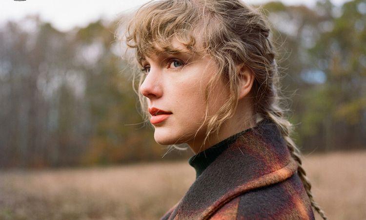 อัลบั้ม Evermore ของ Taylor Swift ทำลายสถิติแผ่นเสียงขายดีที่สุดในอเมริกา