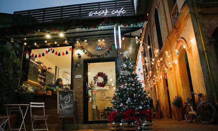 Wara's Cafe แลนด์มาร์คสุดฮิปข้างตึกเก่าสไตล์ยุโรป ต.ท่าแร่ จ.สกลนคร