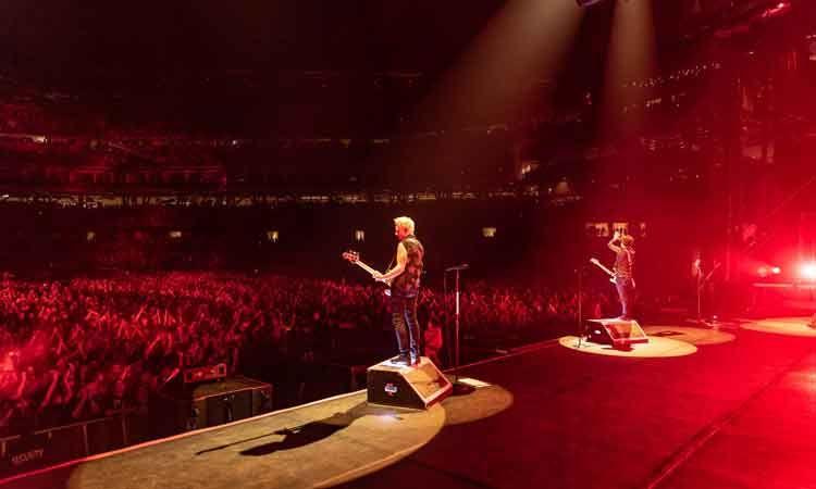 ชมบรรยากาศ Green Day ขึ้นคอนเสิร์ตที่ดัลลัส ประเดิม Hella Mega Tour