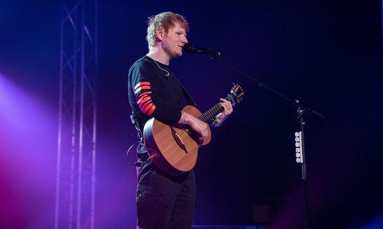 ชมคลิป Ed Sheeran เปิดตัวสองเพลงใหม่ First Times และ Overpass Graffiti