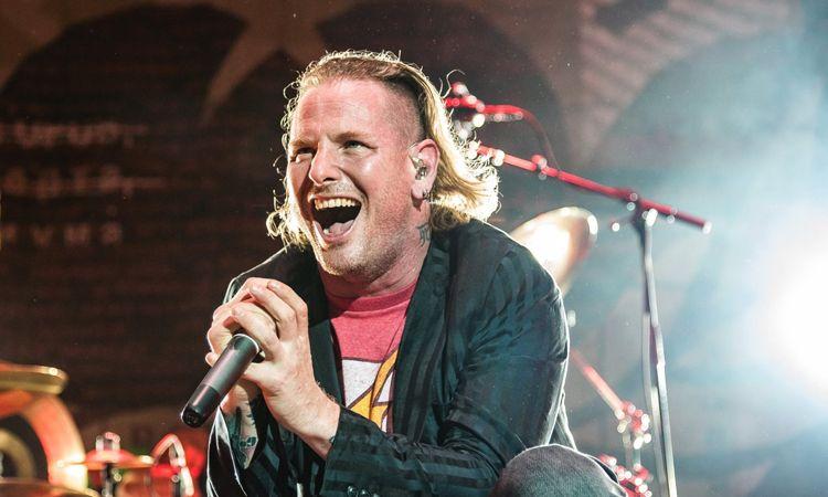 Corey Taylor แห่ง Slipknot เผยเริ่มหัดเล่นกีตาร์ด้วยเพลง Enter Sandman ของ Metallica