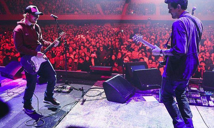 เซอร์ไพรส์! Ed Sheeran ขึ้นเวทีเป็นแขกรับเชิญในคอนเสิร์ต John Mayer ที่ โตเกียว