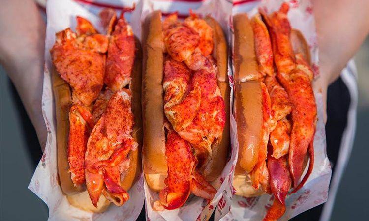 ลองยัง? Mister Lobster ล็อบสเตอร์เนื้อแน่นๆ เน้นๆ ในราคาหลักร้อย