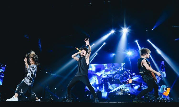 กวาดคำชมล้นหลาม ONE OK ROCK พลังมันส์ล้นเหลือ ขึ้นหิ้งสุดยอดคอนเสิร์ตที่ใช้ภาษาดนตรีสะกดใจชาวร็อกอยู่หมัด!