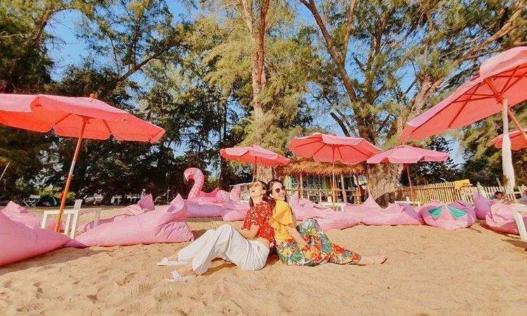 ทุกวันเป็นสีชมพู ที่ Tutu Beach คาเฟ่เปิดใหม่ ริมหาดจอมเทียน