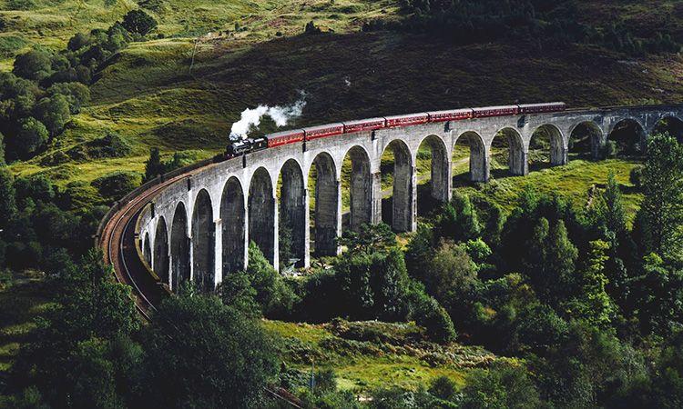 สัมผัสความงดงามของธรรมชาติให้เต็มอิ่ม กับการเดินทางด้วยรถไฟ