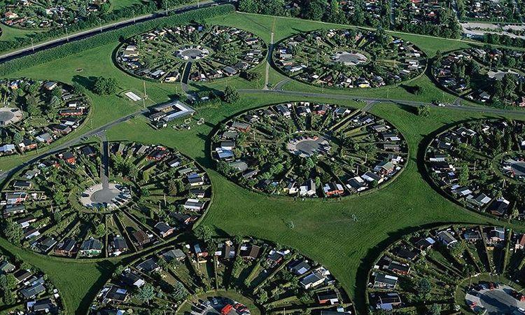 Brøndby Haveby หมู่บ้านเล็กๆ ในผังเมืองวงกลม ที่เดนมาร์ก