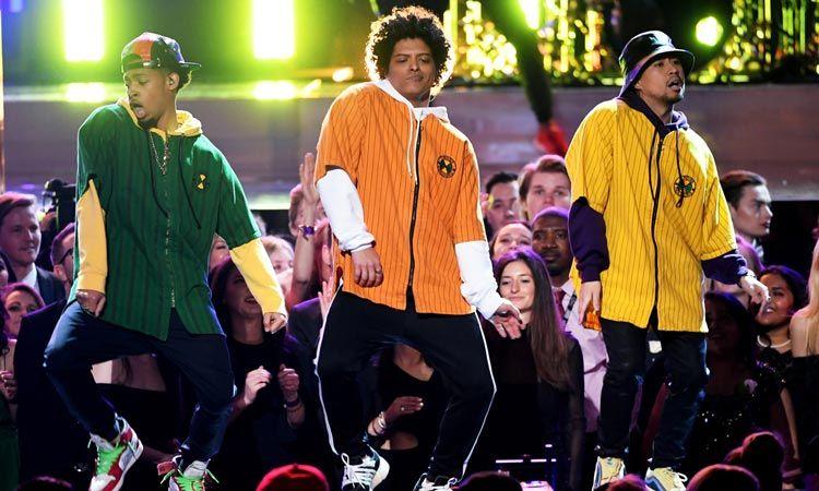 เดินหน้ากวาด! 24K Magic Tour ของ Bruno Mars ทำรายได้ไปแล้วกว่า 240 ล้านดอลล่าร์